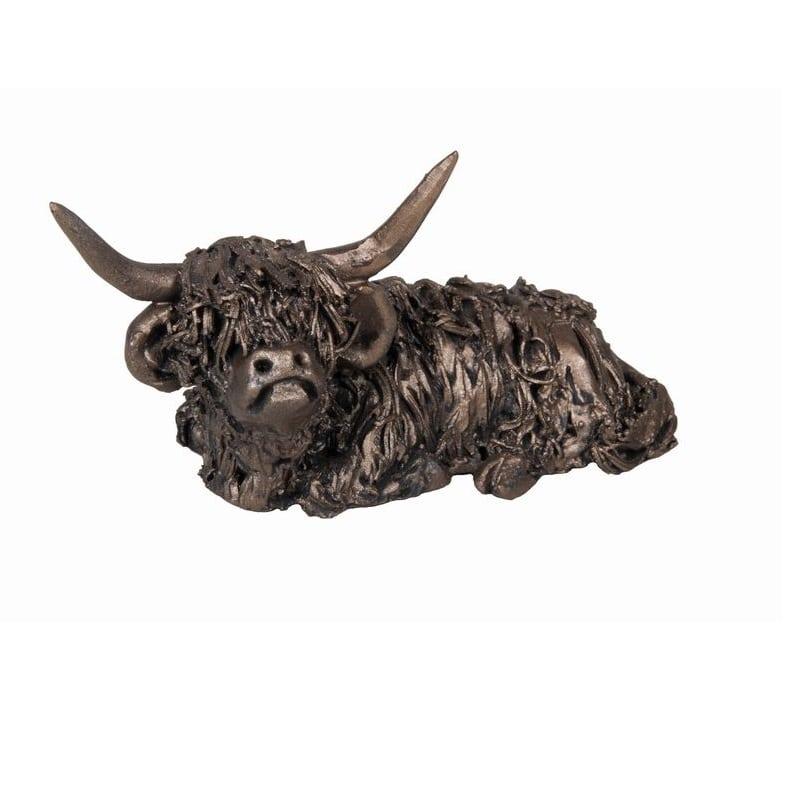 Frith Dougal Sitting Highland Bull – (VBM002)